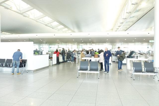 ブリュッセル空港 出国 手荷物検査