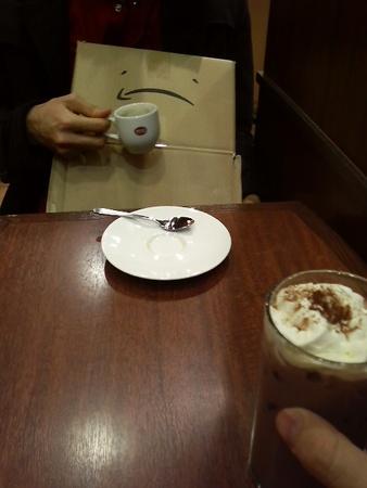 秋葉原駅でコーヒー