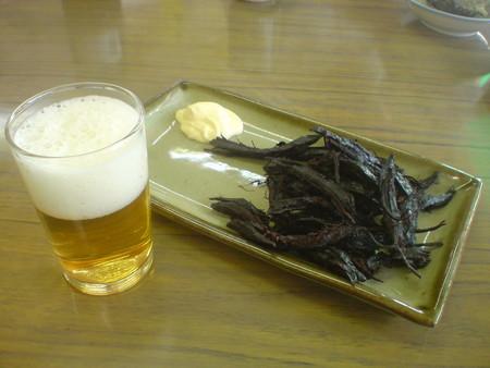 クジラのタレでビール!