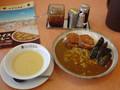 昼食  CoCo 壱にて手仕込みひれかつカレー那須チーズトッピングとコー