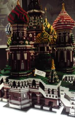 楽しい話に切り替え。パルコでレゴ展やってた。