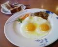 デニーズナウ。朝ごはん食べてからPiOへ出発。