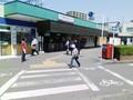 [yano3]粕日部駅。オバちゃんそこで踊れ!