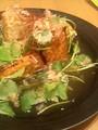 [かじ][外飯]網焼き厚揚げに出汁あんかけ、たっぷりの三ツ 葉と鰹節、糸唐辛子。