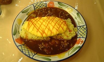 くいだおれで遅い昼食。くいだおれオムライス。980円 L:大阪府大阪市中