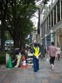今朝のソフトバンク表参道店。原宿クエストビル近くまで列は伸びてる