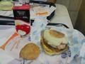 [popona][朝食][ハンバーガー] 深夜 イベント後に朝マック(メガマフィン)