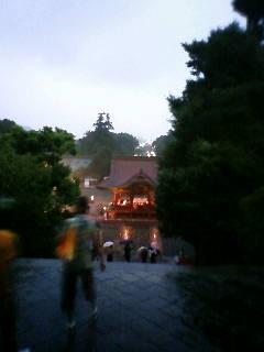 雨の鶴岡八幡宮  風情ありまくり