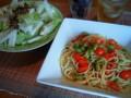 [かじ][ごはん]プチトマトと枝豆のオイルパスタ、大根サラダ。