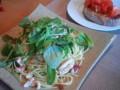 [かじ][ごはん]蛸と水菜とベビーリーフのペペロンチーノ、ブルスケッタ