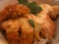 かつやのエビ玉チーズ丼。 トマトとチーズと小エビのフライ卵とじ 、