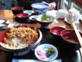 江の島での昼ご飯。窯あげシラス丼、シラスカキアゲ丼、焼ハ マグリ