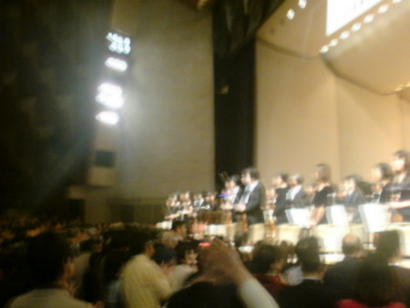 フェスティバルホール最終公演は観客・奏者総立ちで終了 しました