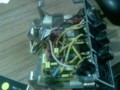 前に自作したエフェクターを直してる。とても配線が汚い