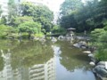 洋館で有名な旧古河庭園の日本庭園です