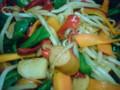 肉がないのでカマボコとウインナーで野菜炒め。