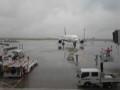 [corns]羽田空港は雨…。
