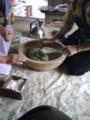 池谷のおばあちゃんにちまきと笹団子づくり学ぶ