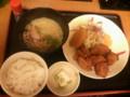 宮本むなしで晩飯(唐揚げ定食漬物抜き+うどん小)