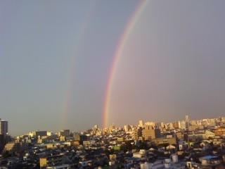 虹だ〜〜 ちょー画質わるいけどw