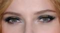 スカヨハの目もと 真ん中がゴールド?参考に参考に