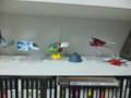 昨日届いたのを組み立てたのだが、右のレイストームの機体がポッキリ
