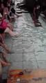 今日は足湯に沢山の人がいた!熱かったぜぇ