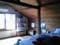 今日のおやど。古い長屋の屋根裏部屋だよ。