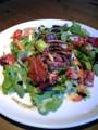 阿波牛サラダ。この際腹痛は忘れる。