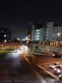 瀬田交差点の歩道橋うえ。みんな花火みてる。