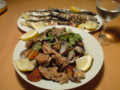 今日の晩御飯。焼ピーマンのマリネと豚とアサリのアレンテージョ風と