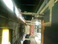 千駄ヶ谷駅のホーム、オレンジのライトなんてついてたっけ…?