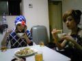 ミスタと徐倫と晩御飯食べてるよ!