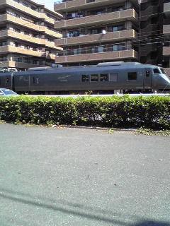 つばめ通過。今日は鹿児島本線を通る電車見学なり。