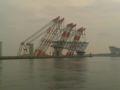 東京湾臨海大橋4。平日だけあってネクタイ組多いな。