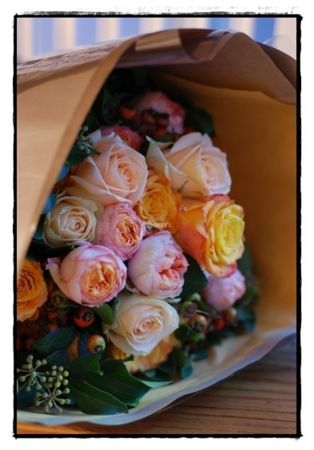 私のお花の先生作。やっぱり先生が作るのはかわいいなぁ。