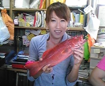 奥武島で魚買いました!