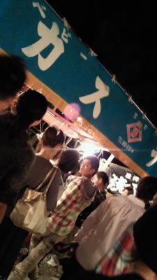 お祭りなう。前田のベビーカステラは鉄板