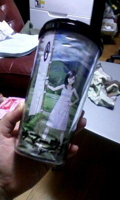 シルバーウィークに買ったサマヲのタンブラーの絵が湿気でしわくちゃ