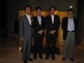 で、これが在フィリピン大使館の桂誠大使と撮った写真です。