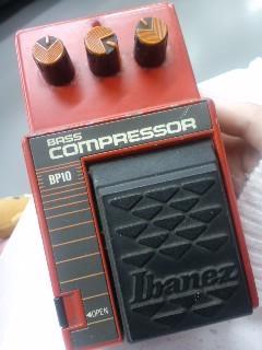 ここにきて初のコンパクトエフェクターげっと!Ibanezのベースコンプだ
