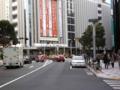 逆走セリカ@東急文化村前 H&M横の路地からでてきた青い外交官ナ