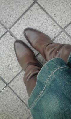 今日のくっくはサルトルのブーツ。デニムはミナペルホネン。このジー