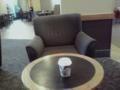 スタバのこのソファが大好き。家に欲しい。