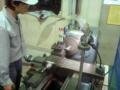 機械工学実習で旋盤をやっている最中です