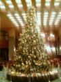 ホテルオークラのツリーはシックな色合い