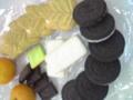 クリスマスなので世界のお菓子が集まってます♪