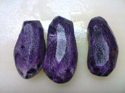 基本属性はジャガイモですが、皮を剥くとこう。イソジンとかヨウ素液