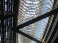 .@saeco 国際フォーラムのガラス棟は天井がこんなんなん。