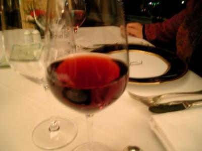 赤ワイン!さっきまで寝てたからご飯食べる気にならん(>_<)フランスの